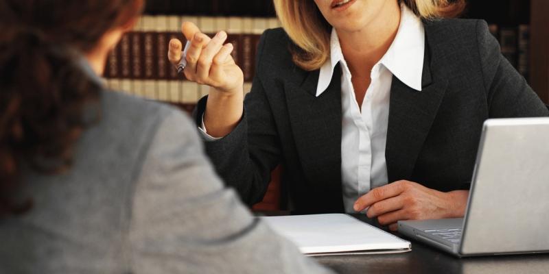 нужен хороший адвокат по жилищным вопросам